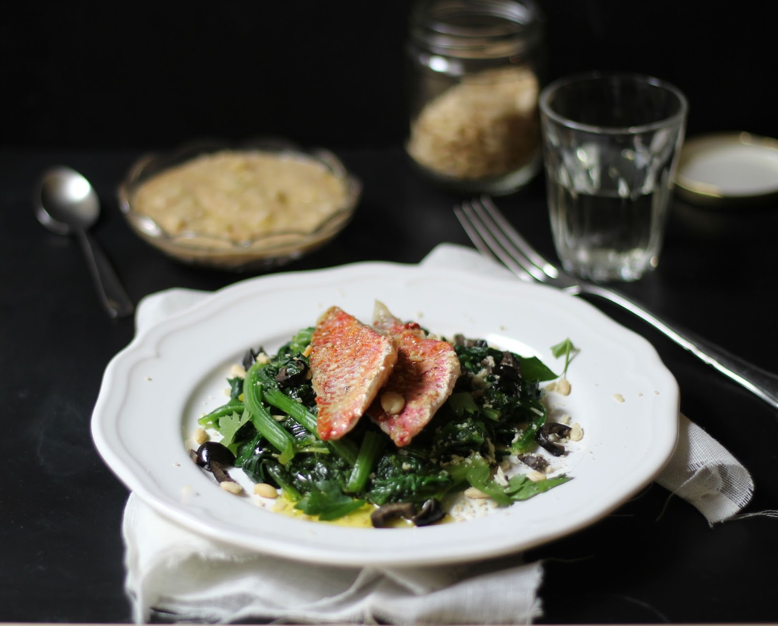 grEAT triglie con spinaci e tarator di pinoli