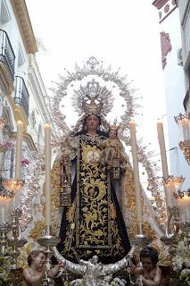 Resultado de imagen de Procesión la Virgen del Carmen del Santo Ángel en Sevilla