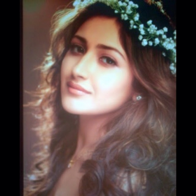 typical , girl , flowers , laughter , fun , beauty , music , drives , hugs , and , kisses , sunsets , living , life , my , way , so , blessed ,, Actress Sayesha Saigal Hot Face Close Up Pics, Selfie Images