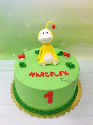 tort z figurką uki