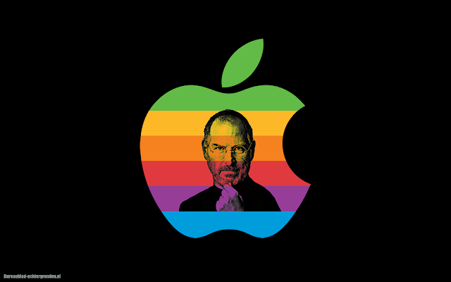 iPhone wallpaper met gekleurde Apple logo en Steve Jobs