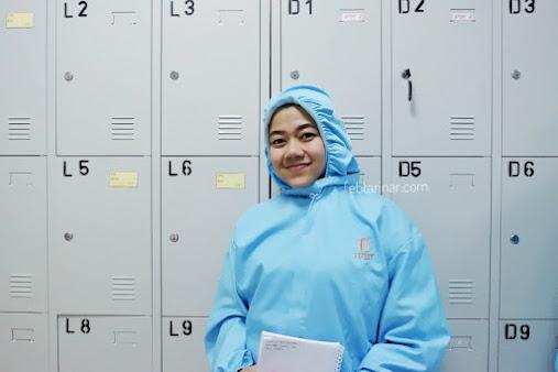 Baju yang mencegah bakteri dari luar masuk ke dalam pabrik - Aishaderm - Rara Febtarina - Lifestyle Blogger - Fashion Blogger - Beauty Blogger