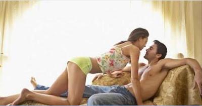 db1e37f08 تأثير التحولات الهرمونية المصاحبة للحمل على الحالة المزاجية للزوجة . – عدم  اعتياد الزوج بعد على شكل الزوجة أثناء الحمل . – خوف الزوجين من تسبب العلاقة  ...