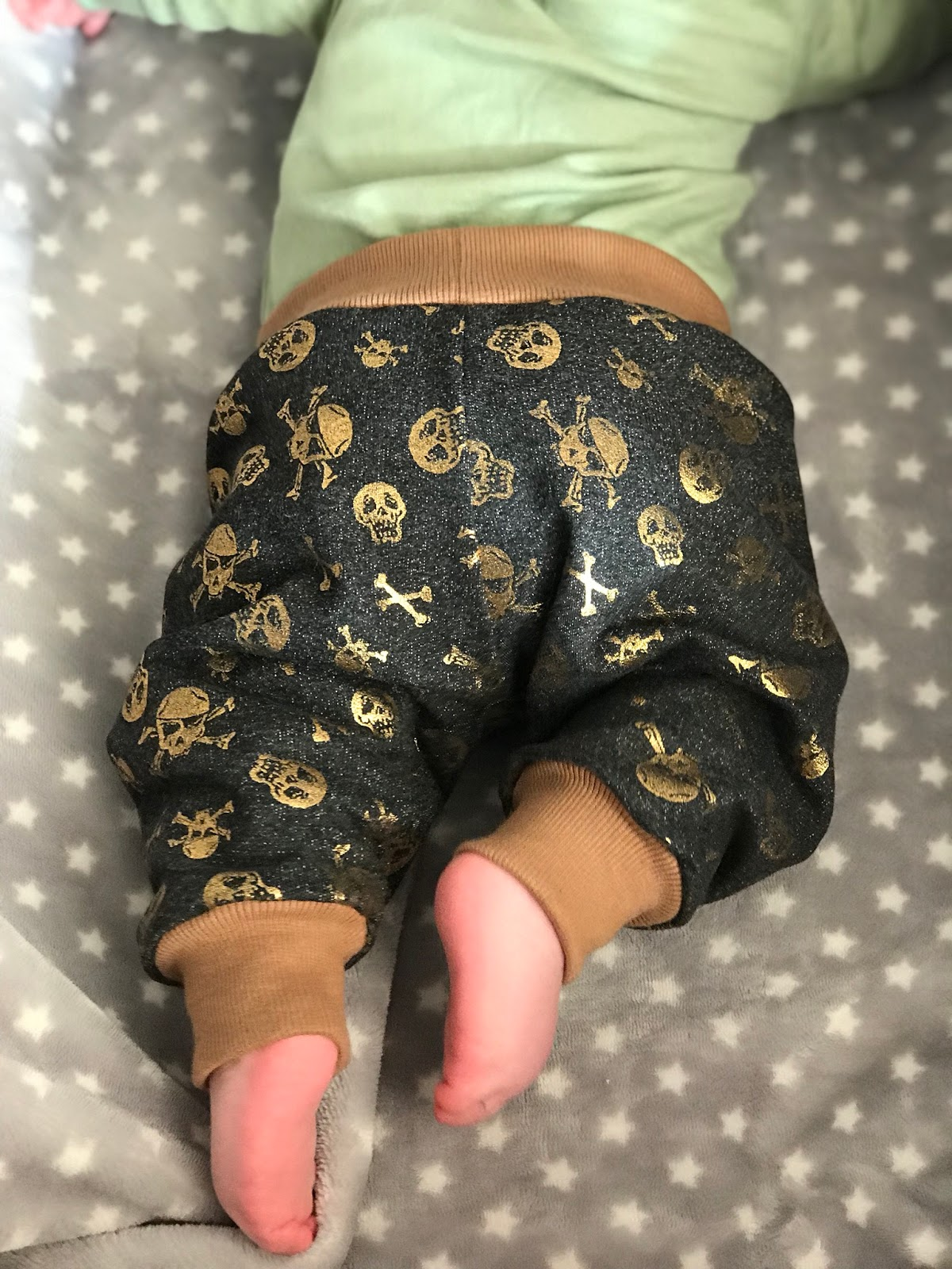 alles-selbstgenaeht : Anleitung Babyhose nähen, Variante 2