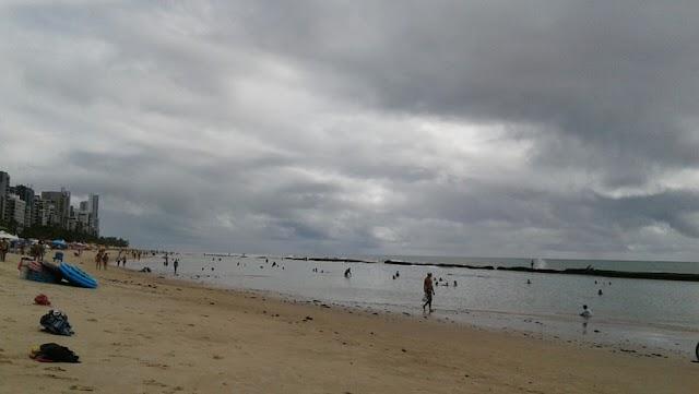 Apac prevê tempo nublado e com chuva para o último dia do ano no Grande Recife