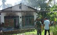 BREAKING NEWS: Satu Unit Rumah Kosong di Sinjai Nyaris Ludes Dilalap Api