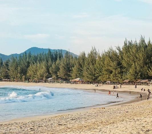 pantai lampuuk wisata aceh