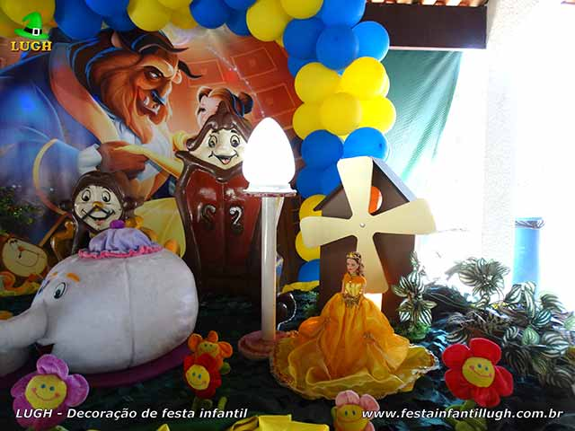 Mesa decorada A Bela e a Fera - Decoração de aniversário infantil