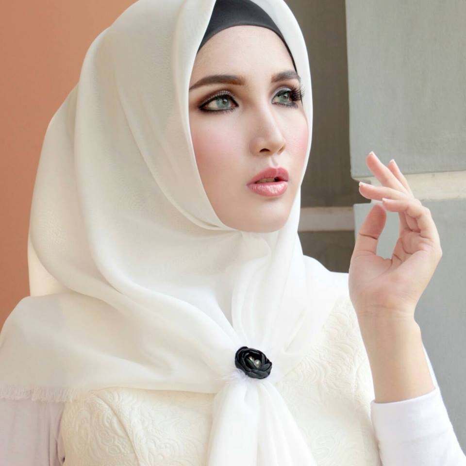 foulard femme musulmane 2016 hijab fashion and chic style. Black Bedroom Furniture Sets. Home Design Ideas