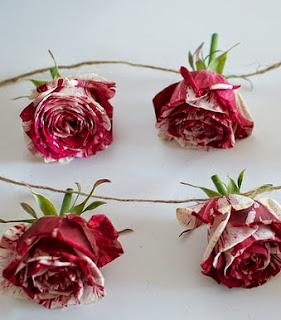 http://apairandasparediy.com/2014/01/diy-rose-garland.html