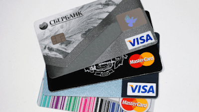 contoh kartu ATM berlogo Visa dan MasterCard