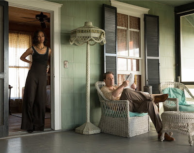 Image of Zoe Saldana and Ben Affleck in Live By Night (14)