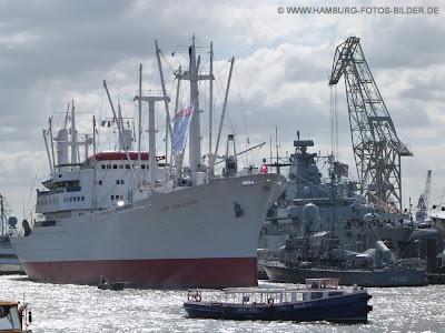 Hafengeburtstag, Cap San Diego, Marine Schiffe, Schwimmkran, Barkasse