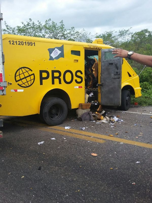Quadrilha ataca carro-forte em Ibaretama
