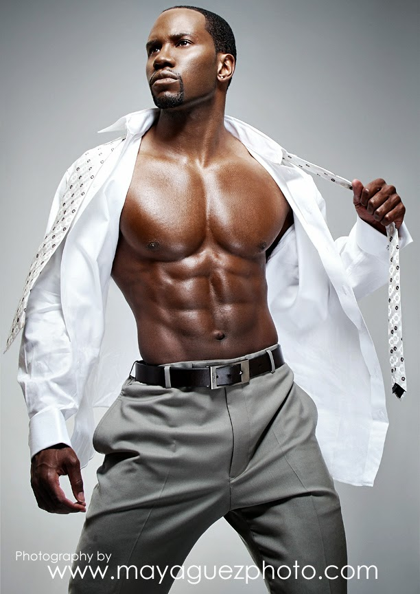 Bodybuilding Junction Black Muscular Hunk Fitness Model -4617