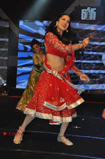 Bollywood Actress Model Sunny Leone Dance Performance in Red Half Saree at Rogue Audio Launch 13 March 2017  0037.jpg