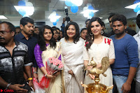Samantha Ruth Prabhu Smiling Beauty in White Dress Launches VCare Clinic 15 June 2017 029.JPG