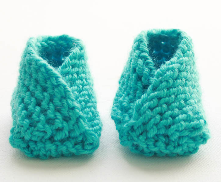 Easiest Baby Booties Ever! [knitting pattern] - Gina Michele