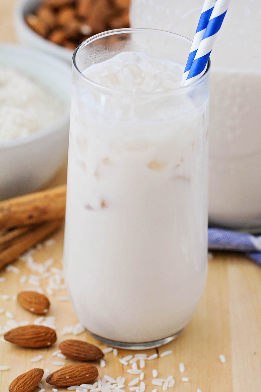 This delicious and refreshing homemade horchata is so easy to make, and tastes amazing!
