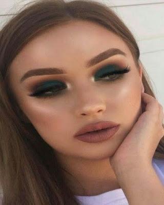maquillaje de ojos llamativo verde tumblr para la universidad casual