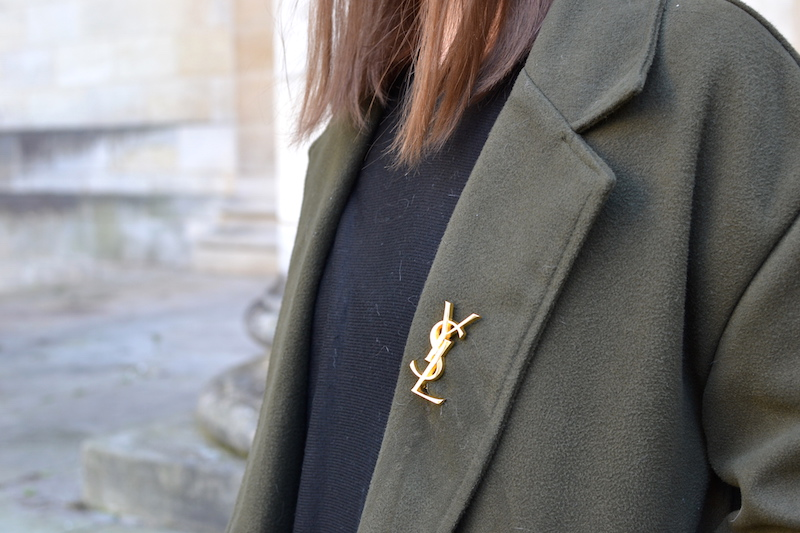 Broche Yves Saint Laurent de Joli Closet
