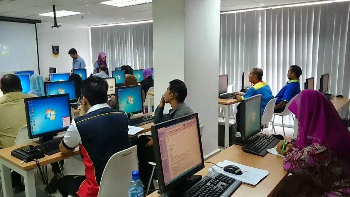 Latihan Membina Laman Web Joomla Hari Pertama