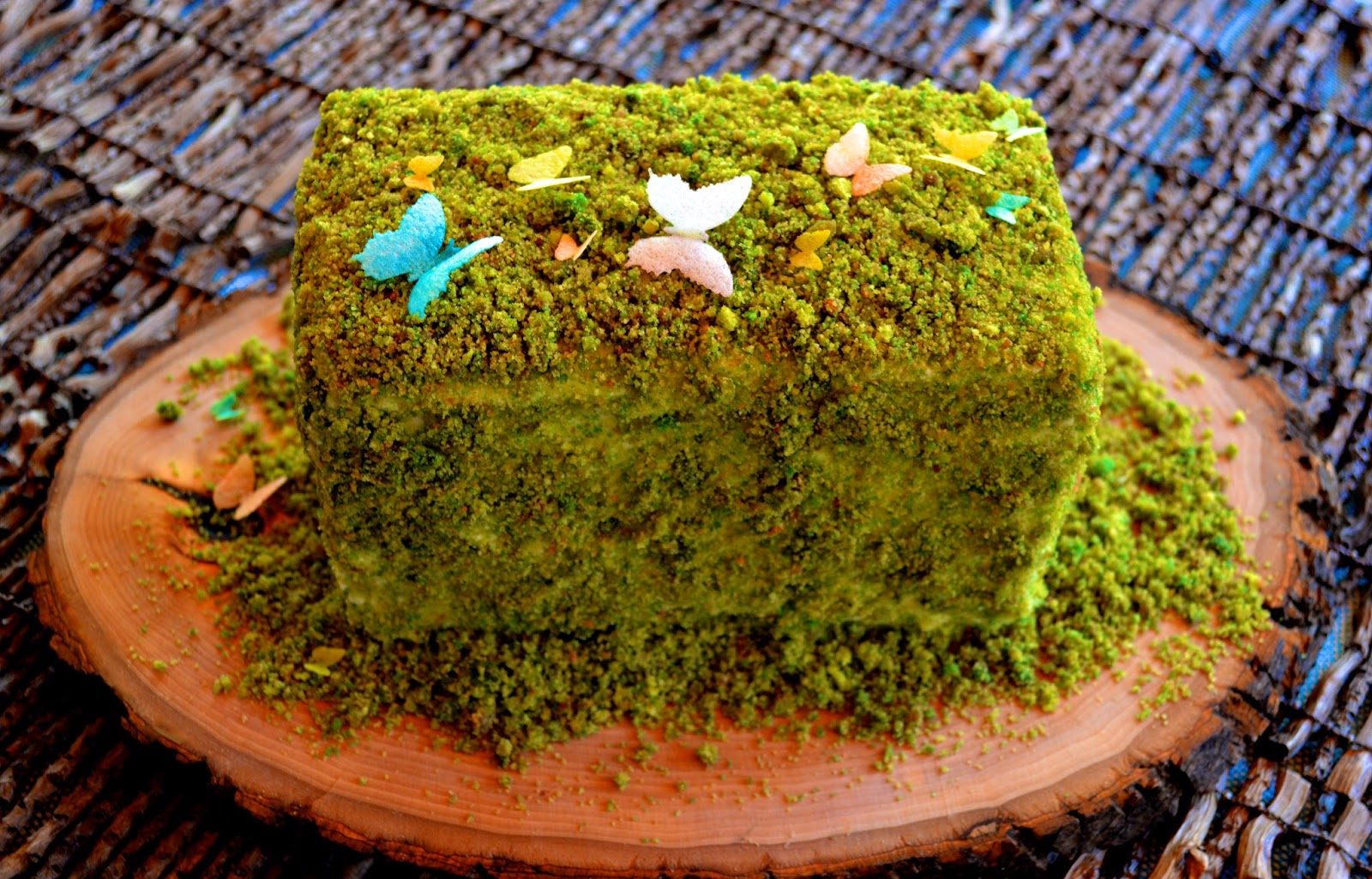 Edible Moss Cake Decoration : Once Upon A Pedestal: April 2016