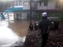 Mengerikan Luapan Sungai Cimanuk Menggerus Rumah