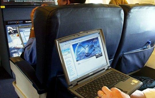 EE.UU. prohibirá laptops en vuelos procedentes de Europa