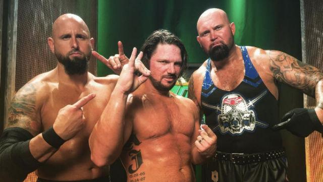 Két lehetőség amit meg kellene ragadnia a WWE-nek ezzel a káosszal!