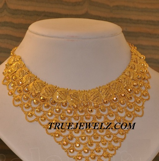 Grt jewellery gold earrings designs beautify themselves with