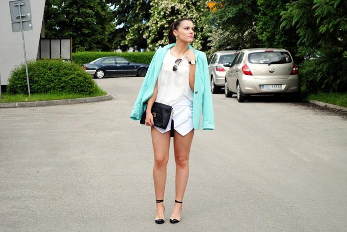 ładna blogerka modowa