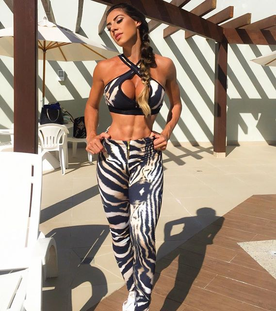 Carol Saraiva model Brazilian pronunciation hip and voluptuous breasts