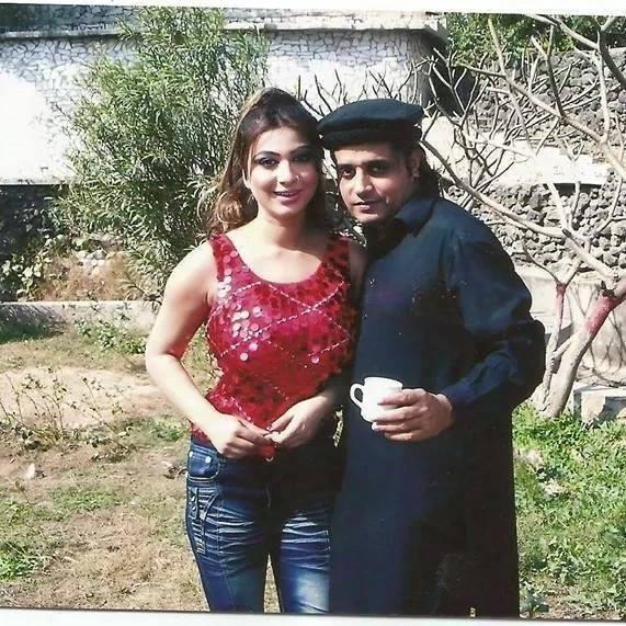 All Pashto Showbiz: Pashto Hot Beauty Dua Qureshi Spicy
