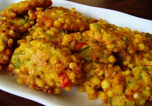 Ngomongin soal gorengan niscaya sahabat witnifood suka banget Resep Membuat Bakwan Jagung Gurih Dan Lezat