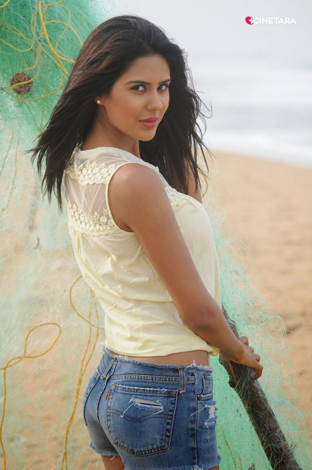 Sonam Bajwa Hot Pics - 1984 Punjabi Movie Actress - 5 Pics-1249