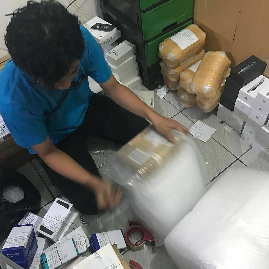 proses packing barang