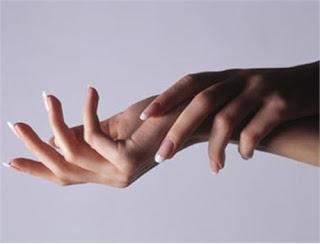 Tại sao bạn bị run tay khi hồi hộp?