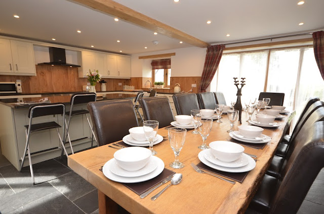 Devon Hot Tub Cottage Self Catering Barn Conversion Dining Room