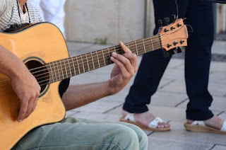 kunci gitar gantung untuk pemula