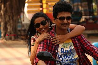 Ganesh Venkatraman Swetha Menon Starring Inaiyathalam Movie Stills  0017.JPG