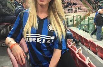 """""""Model Cantik Ini Dukung Inter Milan Dilatih Simeone"""""""