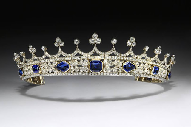 Queen Victorias sapphire and diamond coronet (Photo Victoria and Albert Museum)