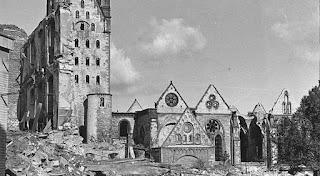 Catedral de Paderborn tras los bombardeos Segunda Guerra Mundial