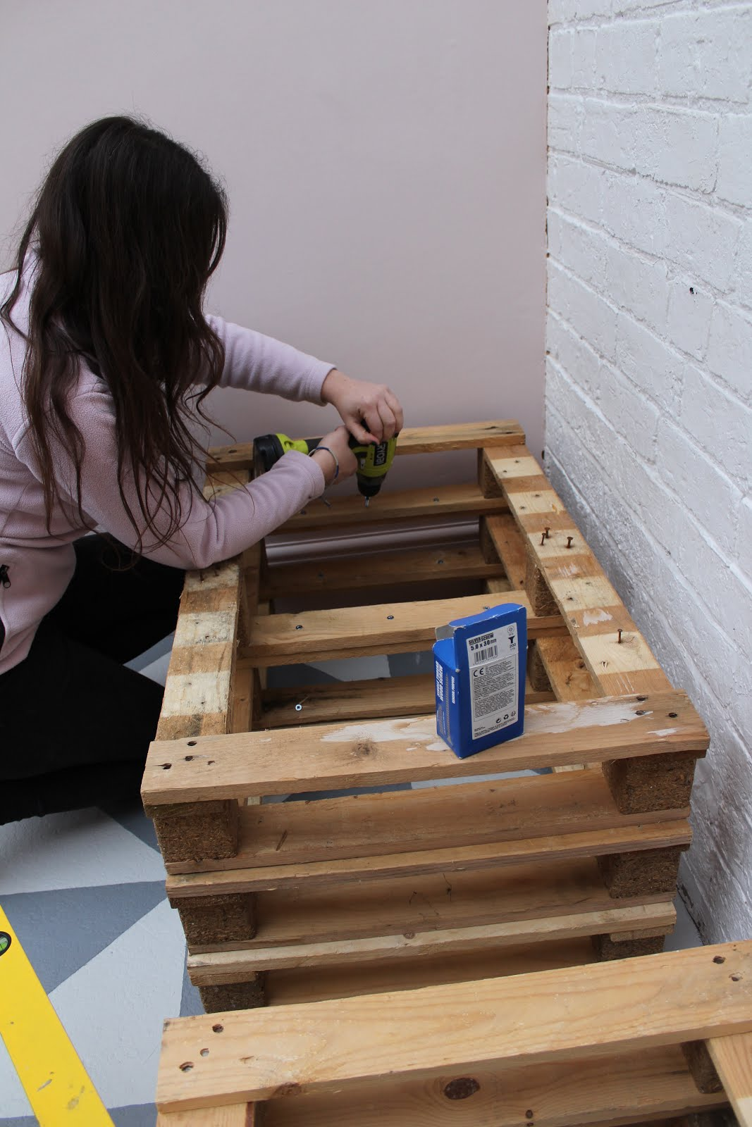 how to attach pallets together