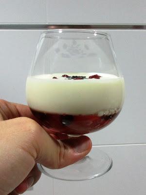 copa de chocolate blanco y gelatina Alocados en la cocina