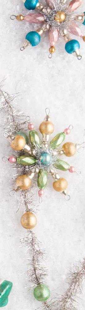 BALSAM HILL MINI CHRISTMAS TREE DECORATING SET