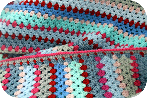 Granny Stripe Edging A Tutorial Happy In Red