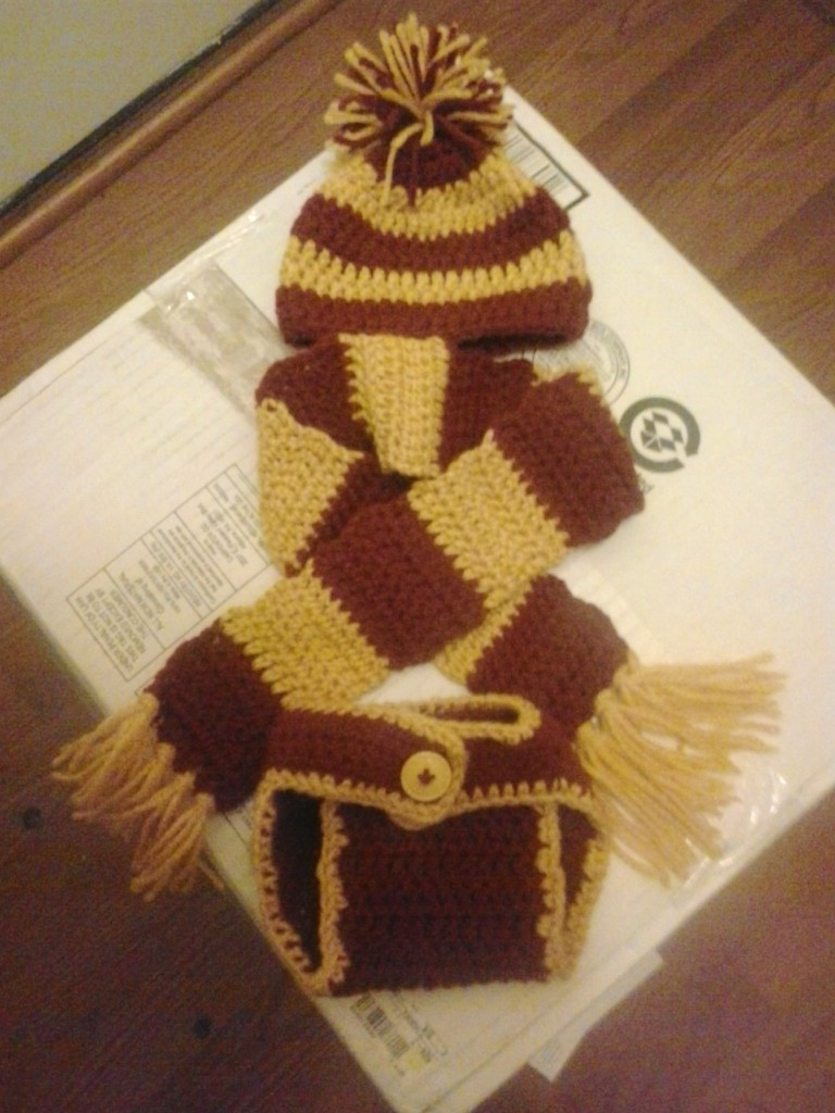 Crochet Fanatic: HARRY POTTER BABY SET