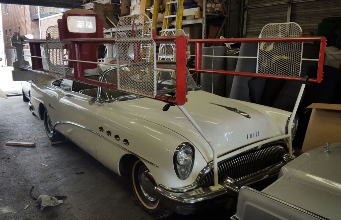 a starting-line car for horse racing, a Buick horse racing gate car!